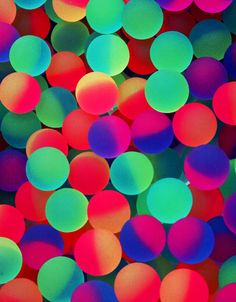 Neon bouncy balls via Anthology. This may be my new desktop background! #color #neon #glow