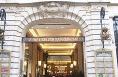 Paris-  shopping  Arcade des Champs-Elysées