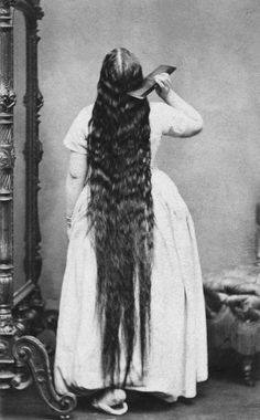 1865-1900  Very long Victorian hair   It was believed that a woman's personality could be inferred from her hair. Curly-haired women were considered to be sweeter-natured than women with straight hair. Long, thick, loose hair was associated with a woman's sexuality — the longer and thicker the hair, the more passionate the woman's nature.