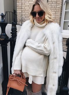 Maternity Fashion Dresses, Winter Maternity Outfits, Stylish Maternity, Pregnancy Outfits, Maternity Wear, Maternity Style, Baby Bump Style, Mom Style, Pregnancy Looks