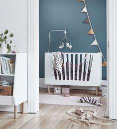 die besten 25 wickeltisch einrichtung ideen auf pinterest stauraum im babyzimmer babyzimmer. Black Bedroom Furniture Sets. Home Design Ideas