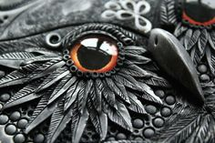 jedavu:  Handcrafted Fairytale Book CoversAniko Kolesnikova, known as Mandarin Duck, is a jewelry designer who also sculpts fairytale book covers with polymer clay. In this way, she gives life to creatures such as dragons, owls and elephants with a great sense of aesthetics.