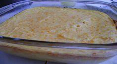 3 batatas grandes  - 3 cenouras  - 1/2 lata de milho verde (opcional)  - 1 xícara (chá) de leite  - 2 colheres (sopa) de farinha de trigo  - 3 ovos inteiros  - 2 colheres (sopa) de margarina  - 3 colheres (sopa) de queijo parmesão ralado  - Sal e pimenta a gosto