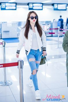 OooOoO I love Minah's outfit! Especially her jeans and shoes ♡