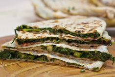 Meatless patties or Armenian bread with herbs Recipe of vegetable patties, which I want to offer unusual for our parts, and in principle it's not really pies Herb Recipes, Vegetable Recipes, Vegan Recipes, Cooking Recipes, Armenian Recipes, Russian Recipes, Armenian Food, Flat Cakes, Middle Eastern Recipes
