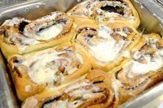 Fresh Ooey Gooey Cinimon rolls!
