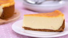 WATCH: This Is An Insanely Silky + Good New York-Style Cheesecake - Yummies - Breakfast & Desserts - Sardline Ube Cheesecake Recipe, Avocado Cheesecake, How To Make Cheesecake, Cheesecake Desserts, Breakfast Dessert, Breakfast Cheesecake, Baking Recipes, Dessert Recipes, Gelatin Recipes