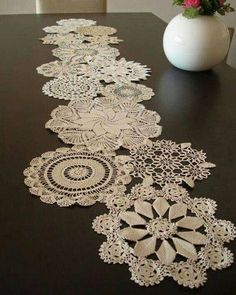 Vintage Doily Runner Wedding Table Decoration With Handcrocheted Vintage Doilies Eco Wedding Table Settings MADE to ORDER Doilies Crafts, Lace Doilies, Crochet Doilies, Doily Art, Diy And Crafts, Arts And Crafts, Invisible Stitch, Crochet Table Runner, Wedding Table Settings