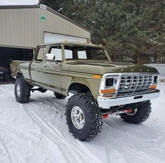 4 speed with gear vendors. Big Ford Trucks, 1979 Ford Truck, 4x4 Trucks, Custom Trucks, Cool Trucks, Chevy Trucks, Truck Accesories, Bronco Truck, Classic Pickup Trucks