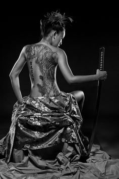 "I can imagine Azami Yoshiie from Samurai Game by Christine Feehan with a similar look, although tattoo different. ♂ Black white photo Japanese martial art ""Samurai "" by Joseph Chan. woman with tiger tattoo and sword. Katana Samurai, Ronin Samurai, Female Samurai, Samurai Art, Samurai Warrior, Samurai Swords, Samurai Tattoo, Tiger Tattoo, Tattoo Art"