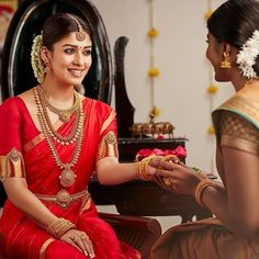 Shop The Most Exotic Fine Jewellery Collections Here South Indian Bride Saree, Kerala Wedding Saree, Indian Wedding Bride, Kerala Bride, Indian Bridal Sarees, Hindu Bride, Indian Bridal Outfits, Indian Bridal Fashion, Saree Wedding