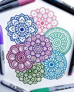Easy Doodle Art, Doodle Art Designs, Doodle Art Drawing, Doodle Patterns, Cool Art Drawings, Flower Drawings, Doodle Borders, Art Patterns, Mandala Doodle