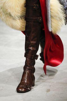 Prada Fall 2017 Ready-to-Wear, http://mmoda.net/prada-fall-2017-ready-to-wear/,  #2017 #AiraFerreira #AmandaMurphy #AmandineRenard #AnnaEwers #CameronRussell #CamilleHurel #CaraTaylor #ChuWong #CongHe #ElibeidyDanis #EstellaBrons #EstelleNehring #fall #Faretta #FeliceNoordhoff #FrejaBehaErichsen #GiedreDukauskaite #ImariKaranja #JessPW #JessieBloemendaal #JingWen #JuliaNobis #KikiWillems...