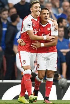 4b0a31bfb4d Arsene Wenger admits there is still no movement on new Alexis Sanchez and  Mesut Ozil contracts