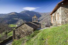 Paseo por Villar de Casomera, #Aller con la iglesia al fondo