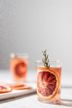 7 Inexpensive Tools for Food Photography Sandy Noto food design Food Design, Design Ideas, Food Styling, Styling Tips, Cocktail Garnish, Rosemary Cocktail, Cocktail Drinks, Orange Cocktail, Cocktail Photography