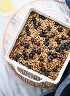 Wholesome baked oatmeal naturally sweetened with maple syrup or honey! Change the fruit according to the seasons. Make some now for the rest of the week!