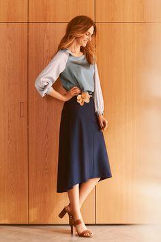 Blouse with raglan sleeves - Pattern number 115 of the magazine 8/2015 Burda - patterns on blouses Burdastyle.ru