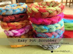 Add a bit of color in your kitchen with this FREE Pattern: easy crochet pot scrubber pattern.