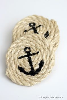 I love these sisal rope coasters. Easy to make. Cute for summer or as a gift.