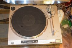 Technics Direct Drive Turntable http://www.ctonlineauctions.com/detail.asp?id=240391