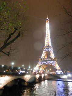 Torre Eiffel Iluminada, París
