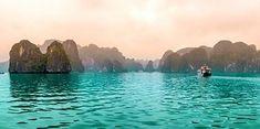 5 gode grunner til at Vietnam er en fantastisk reisedestinasjon.  1. Fantastisk vakker natur i både nord og sør 2. Interessante historiske severdigheter fra keisertiden og Vietnamkrigen 3. Fantastisk kultur med templer, markeder, landsbyer mm. 4. Utrolig gjestfri og vennlig lokalbefolkning 5. Lekre paradisstrender med krystallklart vann  Les mer ved å følge lenken øverst Hoi An, Hanoi, Temples, Cruise, Vietnam Travel, Cruises