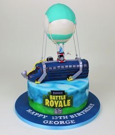 Battle bus from Fornite Battle Royale cake