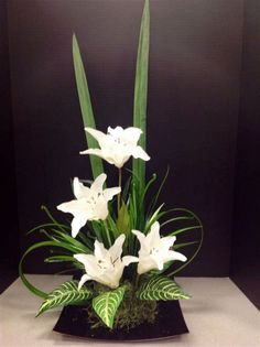 Tropical Flower Arrangements, Creative Flower Arrangements, Ikebana Flower Arrangement, Church Flower Arrangements, Ikebana Arrangements, Church Flowers, Beautiful Flower Arrangements, Beautiful Flowers, Artificial Floral Arrangements