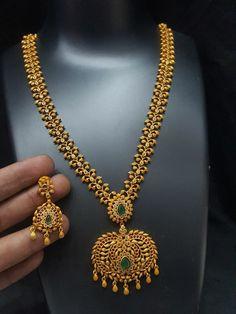 Jewelry Design Earrings, Gold Earrings Designs, Necklace Designs, Gold Haram Designs, Chain Earrings, Gold Chain Design, Indian Gold Jewellery Design, Gold Jewelry Simple, Modern Jewelry
