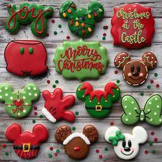 Snowflake Christmas Cookies, Christmas Sugar Cookies, Noel Christmas, Disney Christmas, Christmas Goodies, Homemade Christmas, No Bake Sugar Cookies, Iced Cookies, Cute Cookies