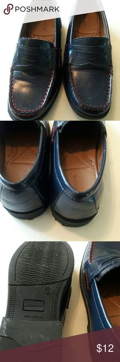 Girls used shoes Navy blue loafers with red stitching good condition GH Bass &Co Shoes Dress Shoes