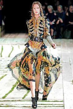 Alexander McQueen - Spring 2011 Ready-to-Wear