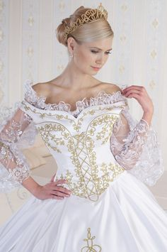Hungarian wedding dress with the typical Hungarian motives Queen Wedding Dress, Wedding Flower Girl Dresses, Beautiful Costumes, Beautiful Gowns, Nice Dresses, Prom Dresses, Formal Dresses, Bridal Gowns, Wedding Gowns