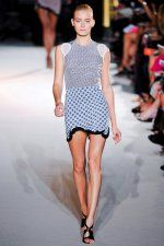 Love this hemline and the way it appears throughout this collection. Stella McCartney
