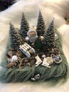 Christmas Room, Winter Christmas, Christmas Wreaths, Christmas Crafts, Christmas Ornaments, Handmade Decorations, Xmas Decorations, Vintage Crafts, Vintage Diy