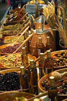 The provincial market in Antibes. - D. Vincendeau