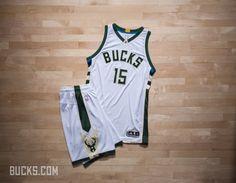バックスが新ユニフォームを発表 | NBA Japan