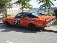 racing style 68' Charger, great!