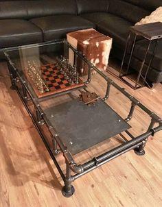 Table à café industriel fer tuyau w. plateau en verre et