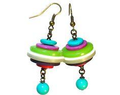 Bouton boucle d'oreille bijoux Upcycled en vert par BluKatDesign