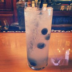 #90 Singin' in the Rain (1952): Enjoy this refreshing, carbonated cocktail with blueberries.