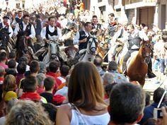 Ximo Puig visita La Entrada de Toros y Caballos de Segorbe