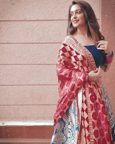 Salwar Designs, Lehenga Designs, Party Wear Lehenga, Party Wear Dresses, Bollywood Girls, Bollywood Fashion, Dress Indian Style, Indian Dresses, Pakistani Outfits
