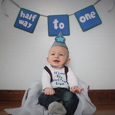 28 Ideas Baby Boy Birthday Pictures Products For 2019 Boy Birthday Photography, Newborn Baby Photography, Boy Birthday Pictures, Baby Boy Pictures, 6 Month Baby Picture Ideas Boy, Baby Ideas, Half Birthday Baby, Baby Girl Shirts, Baby Girls