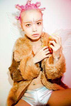 Eriko Nakao looking like Gwen. Pastel Hair, Pink Hair, Rave Hair, Audrey Kitching, Space Grunge, Babe, Acid House, Hair Reference, Human Reference