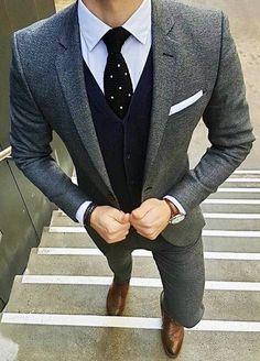 #weddingideas #groom #groomsmen #weddings #mensfashion #bespoke #menstyle #menswear #weddingsuits #customsuits #menssuits #tuxedo #mens #weddingtuxedo #tux #giorgentiweddings #suit #summerstyle #streetstyle