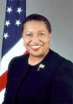 Carol Moseley Braun - & only female Senator from Illinois; woman to defeat an incumbent US Senator in an election; African-American US Senator for the Democratic Party; and the & only African-American woman elected to the US Senate. You go girl! Today In Black History, Black History Facts, Black History Month, African American History, British History, Native American, Modern History, Famous Black, African Diaspora