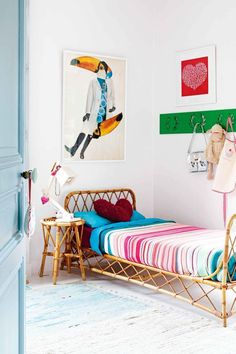 the boo and the boy: eclectic kids' rooms I think this is such a cute room. So vividly and boldly coloured...