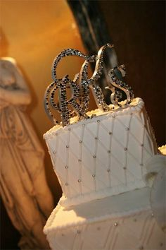love this cake topper!!!